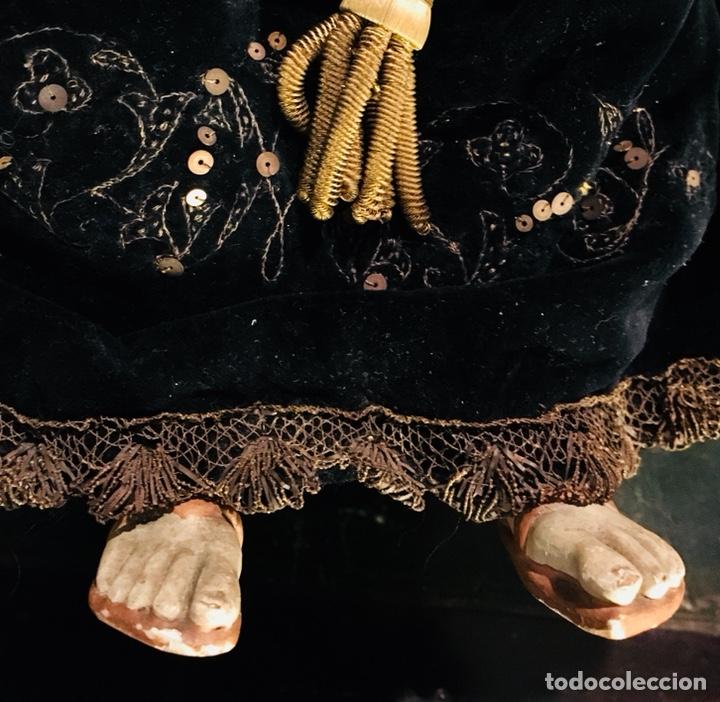 Arte: Virgen articulada cap i pota en trono; madera del S.XIX - Foto 6 - 149891366
