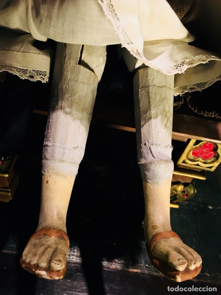 Arte: Virgen articulada cap i pota en trono; madera del S.XIX - Foto 10 - 149891366
