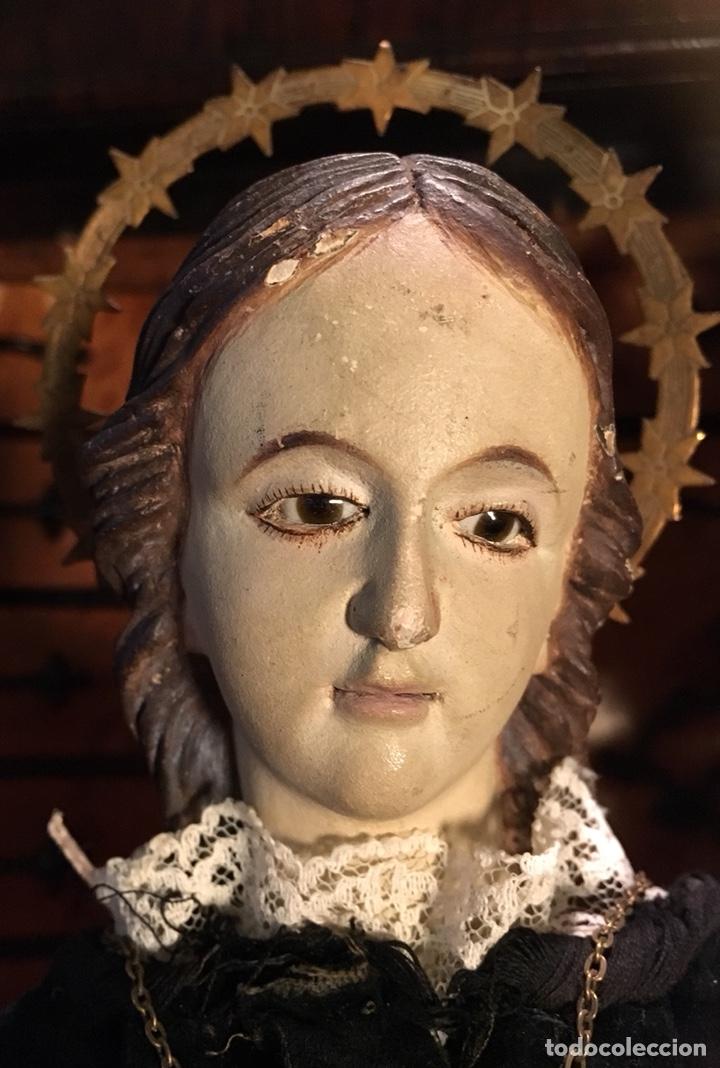 Arte: Virgen articulada cap i pota en trono; madera del S.XIX - Foto 12 - 149891366