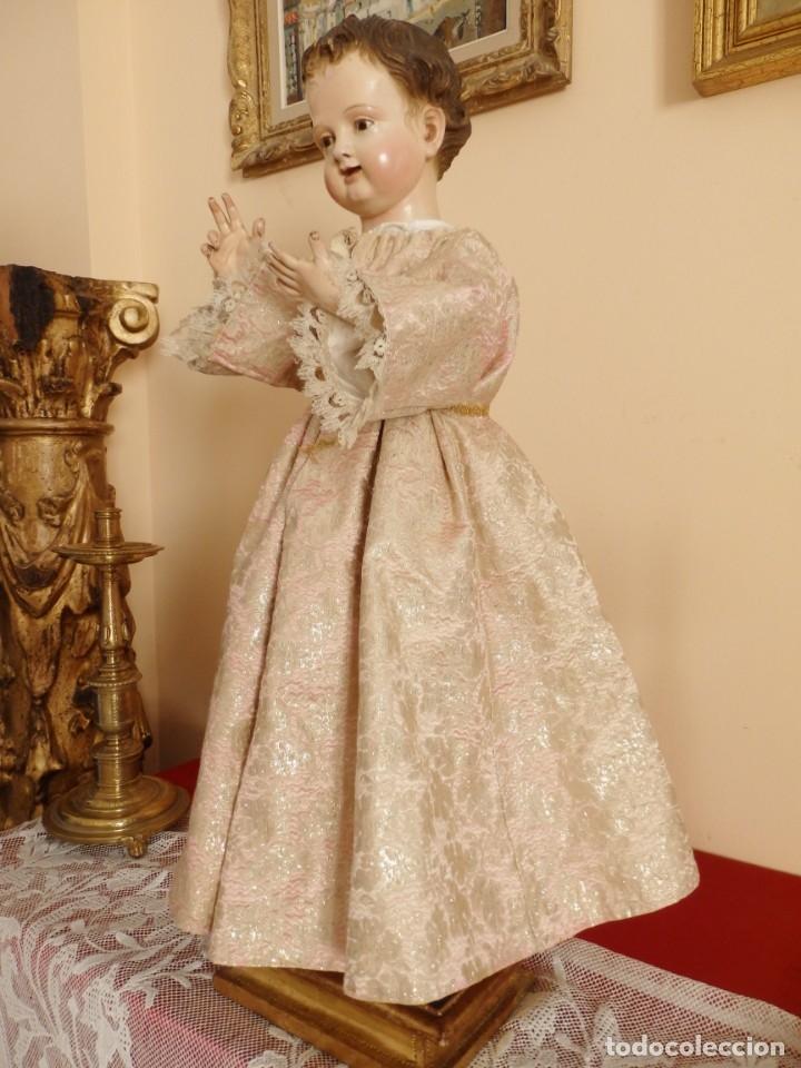 Arte: Niño Jesús. Escultura vestidera o cap i pota en madera policromada. 70 cm. Granada. S. XVIII. - Foto 2 - 134050710