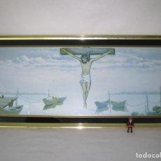 Arte: 1 METRO !! GRANDES DIMENSIONES JESUCRISTO JESUS EN LA CRUZ CON BARCAS - CRISTAL LITOGRAFIADO Y MARCO. Lote 150479730