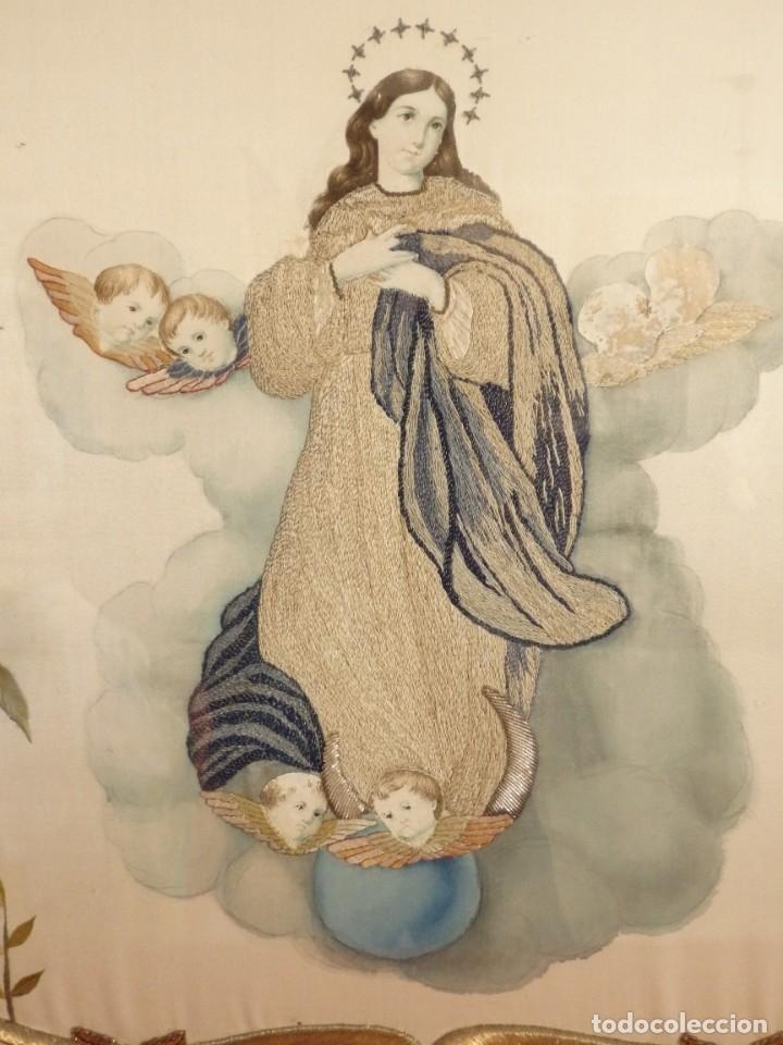 Arte: La Purísima Concepción. Imagen de la Virgen en bordados de oro y sedas. 79 x 69 cm. Hacia 1900. - Foto 7 - 151325166