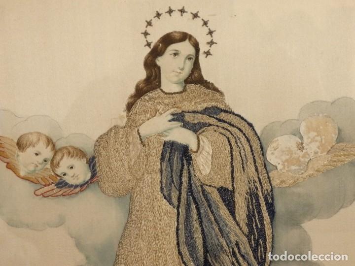 Arte: La Purísima Concepción. Imagen de la Virgen en bordados de oro y sedas. 79 x 69 cm. Hacia 1900. - Foto 8 - 151325166