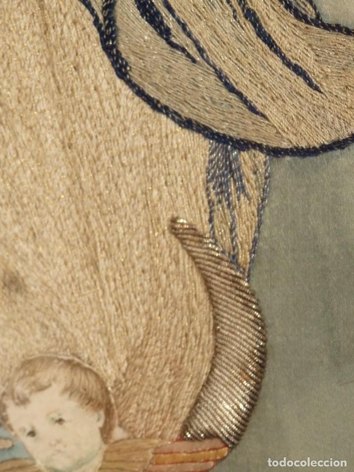 Arte: La Purísima Concepción. Imagen de la Virgen en bordados de oro y sedas. 79 x 69 cm. Hacia 1900. - Foto 10 - 151325166