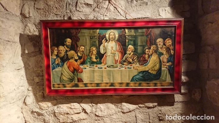 Arte: Antiguo cuadro con lámina de la santa cena de Jesús de los años años 30-40 - Foto 2 - 152838258
