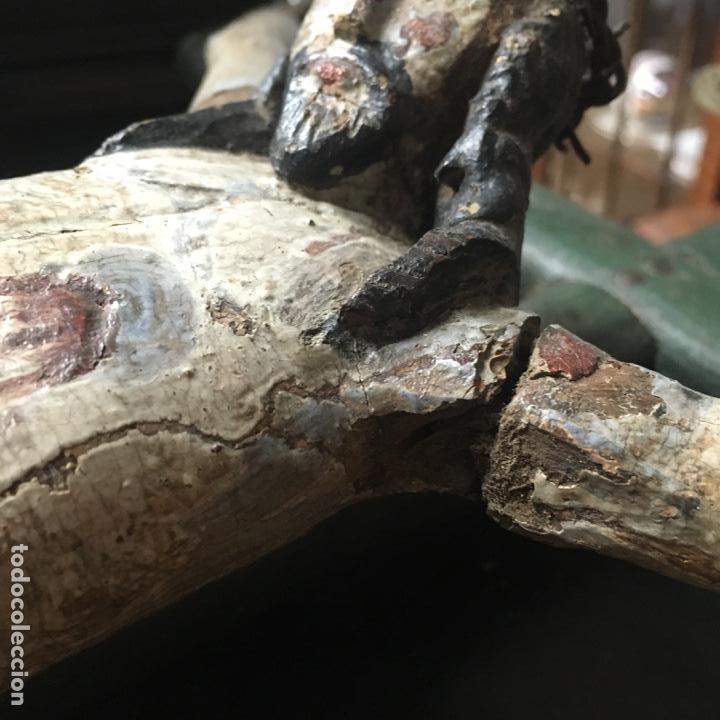 Arte: Cristo en la cruz o crucificado, talla de madera policromada - Foto 2 - 153118974