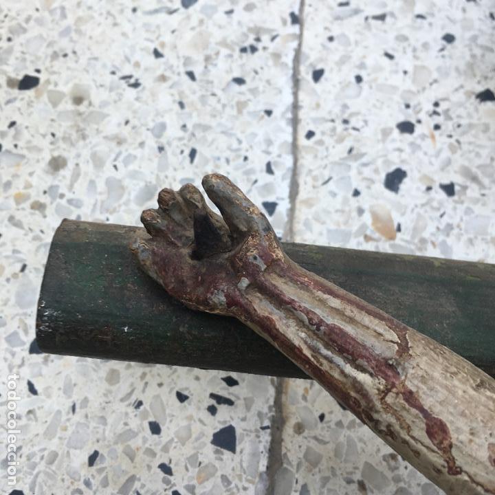 Arte: Cristo en la cruz o crucificado, talla de madera policromada - Foto 15 - 153118974
