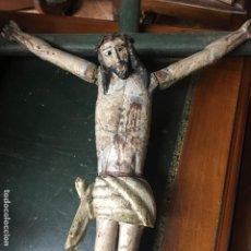 Arte: CRISTO EN LA CRUZ O CRUCIFICADO, TALLA DE MADERA POLICROMADA. Lote 153118974
