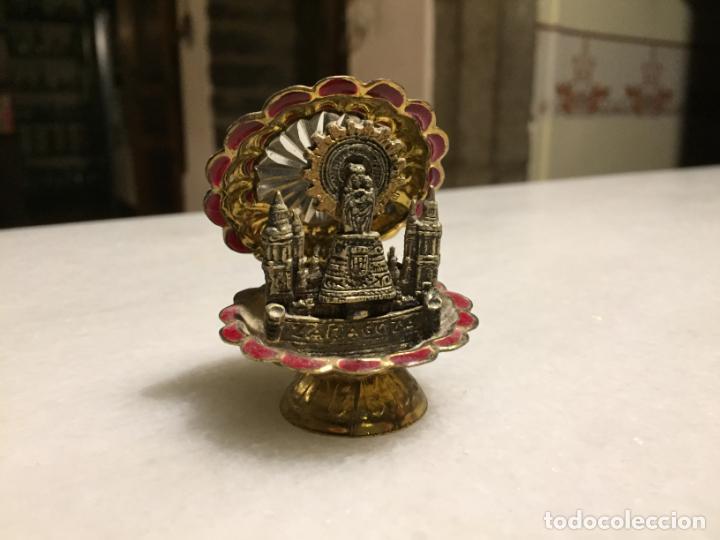ANTIGUA VIRGEN DEL PILAR CON CONCHA DE METAL NIQUELADO AÑOS 80-90 (Arte - Arte Religioso - Escultura)