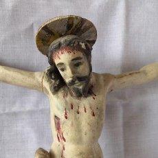 Arte: ANTIGUO CRISTO EN MADERA TALLADA Y POLICROMADA. Lote 154830986