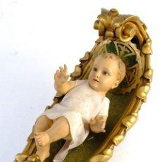 Arte: NIÑO JESÚS EN MADERA TALLADA Y POLICROMADA CON OJOS DE CRISTAL PRIMER TERCIO SIGLO XX. Lote 154847278