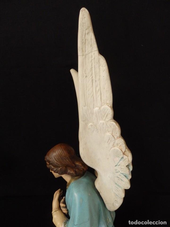 Arte: Ángel adorador realizado en estuco policromado. 60 cm de altura. Pps. S. XX. - Foto 14 - 155419022