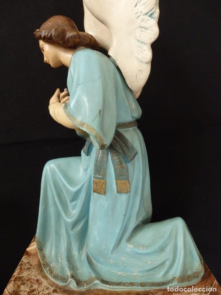 Arte: Ángel adorador realizado en estuco policromado. 60 cm de altura. Pps. S. XX. - Foto 16 - 155419022
