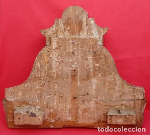 Arte: FRAGMENTO DE RETABLO EN MADERA TALLADA, ESTUCADA Y DORADA AL ORO FINO S. XVIII. 40X45X11 CMS. - Foto 8 - 155881910