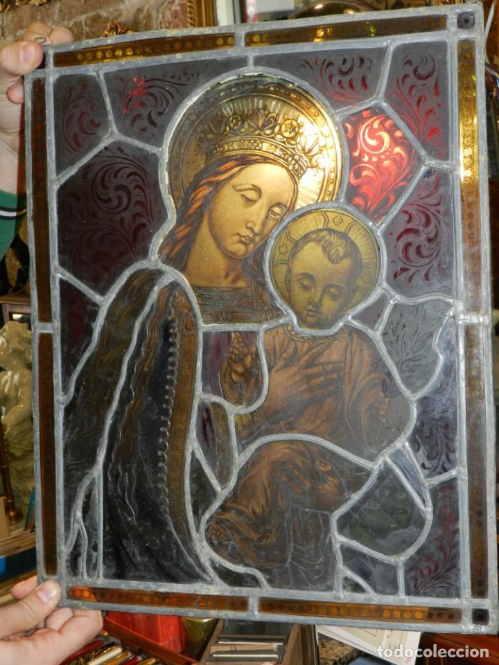 (M) PLAFON DE CRISTAL EMPLOMADO S.XIX IMAGEN VIRGEN MARIA Y NIÑO JESUS , 46,5 X 37 CM (Arte - Arte Religioso - Pintura Religiosa - Otros)