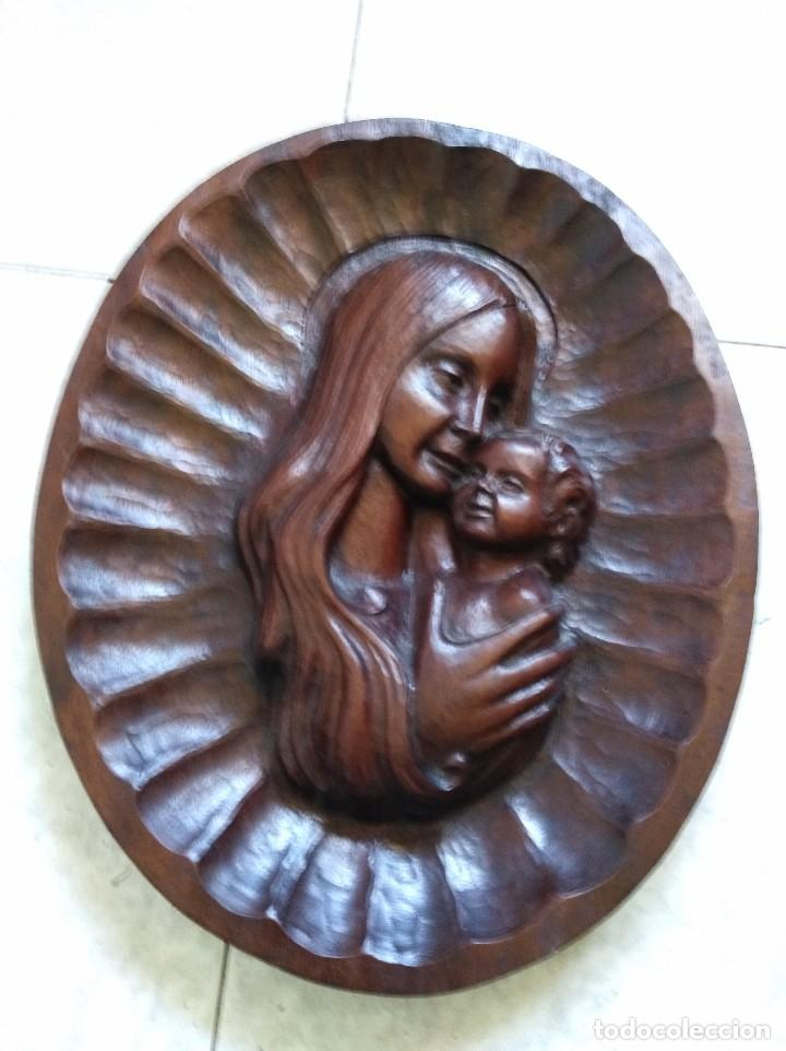 ANTIGUA TALLA DE MADERA VIRGEN CON EL NIÑO. CASI MEDIO METRO DE LARGO. 4 CM DE GROSOR. ESPECTACULAR (Arte - Arte Religioso - Escultura)