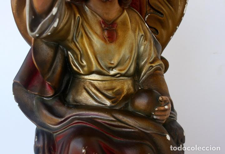 Arte: Sagrado Corazón de Jesús entronizado de estuco policromado con ojos de cristal 52 cms - Foto 4 - 156714334