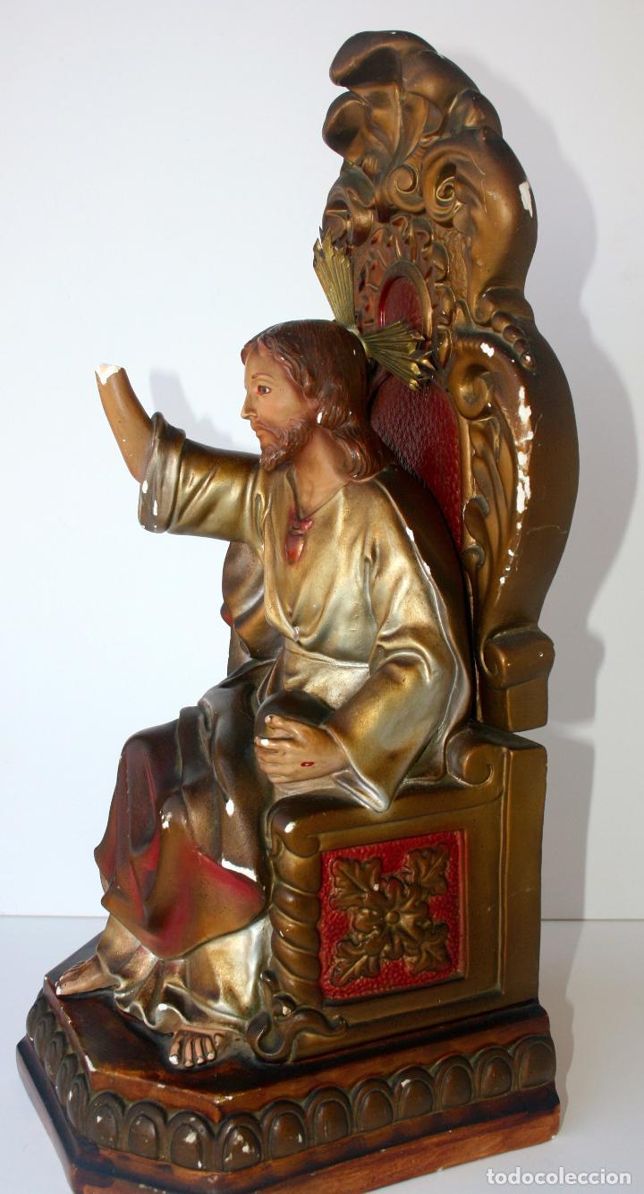 Arte: Sagrado Corazón de Jesús entronizado de estuco policromado con ojos de cristal 52 cms - Foto 11 - 156714334