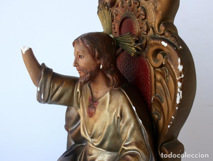 Arte: Sagrado Corazón de Jesús entronizado de estuco policromado con ojos de cristal 52 cms - Foto 13 - 156714334