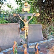 Arte: ESPECTACULAR CRISTO EN LA CRUZ ALEMANIA 1800 CON ESCENA DE PERSONAJES. Lote 157140102