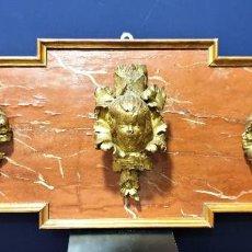 Arte: CABEZAS DE ÁNGELES EN MADERA TALLADA Y DORADA SOBRE FRONTAL DE MADERA MARMOREADA. ITALIA, S. XVIII.. Lote 157289598