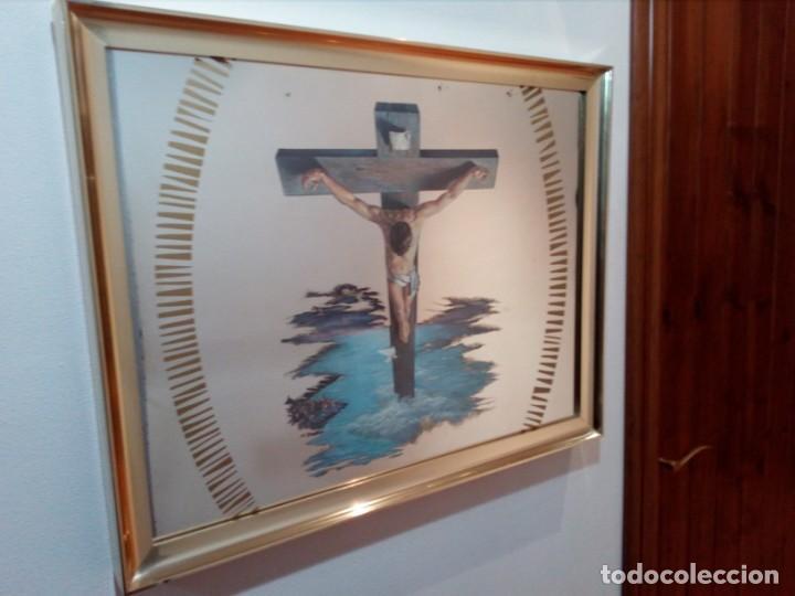 ESPEJO - LÁMINA ENMARCADA DEL CRISTO DE VICENTE ROSO - INSERTADA EN ESPEJO (AÑOS 60) - 63X50 CM (Arte - Arte Religioso - Litografías)