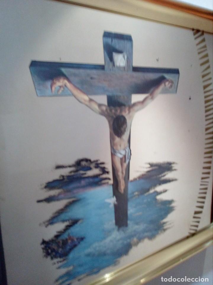 Arte: ESPEJO - LÁMINA ENMARCADA DEL CRISTO DE VICENTE ROSO - INSERTADA EN ESPEJO (AÑOS 60) - 63x50 CM - Foto 2 - 159130746