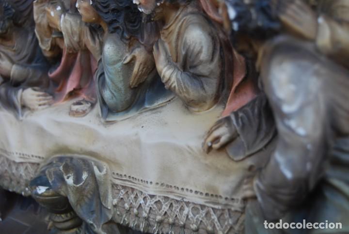 Arte: RETABLO O RELIEVE DE LA ULTIMA CENA EN ESTUCO POLICROMADO Y MADERA FIRMADO POR VILAMITJANA - Foto 7 - 159983106