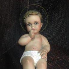 Arte: PRECIOSO NIÑO JESUS EN ESTUCO, TALLERES DE IMAGINERIA DE OLOT. OJOS DE CRISTAL. 17CMS. IMPECABLE. Lote 160079978