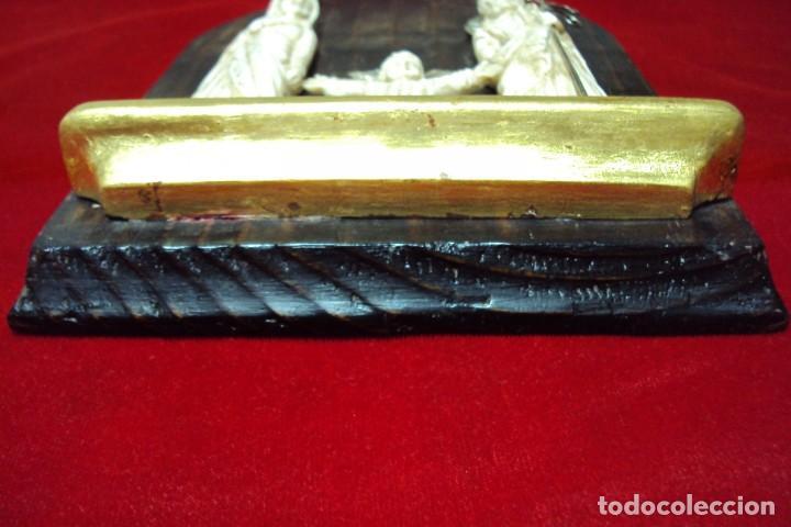 Arte: Sagrada Familia Hispano-filipina talla en hueso aderezos en plata - Foto 7 - 160598214