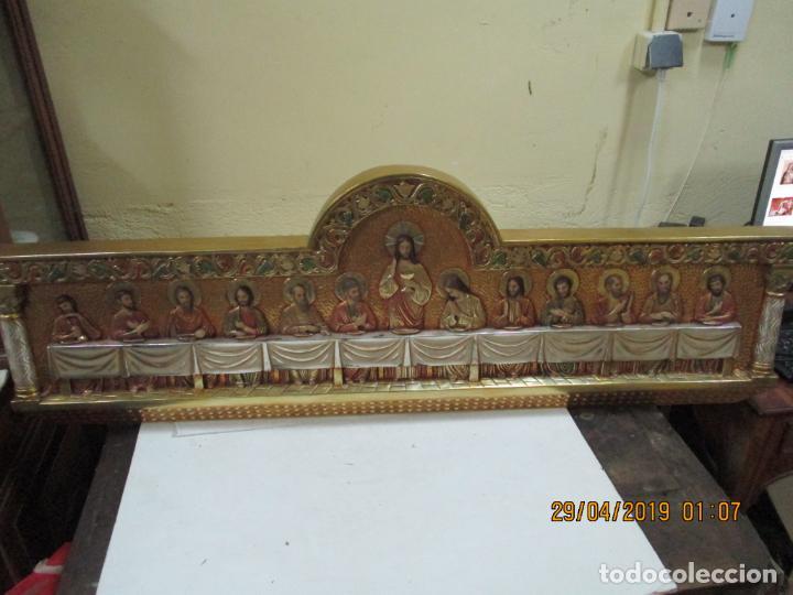 SANTA CENA FIRMADA JM CAMPS ARNAU DE MADERA 123X41 (Arte - Arte Religioso - Escultura)