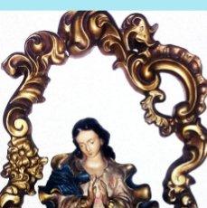 Arte: PRECIOSA IMAGEN DE LA VIRGEN DENTRO DE CERCO BARROCO EN ESCAYOLA Y POLICROMADO.55 X 41 CM.DECORATIVO. Lote 163040138