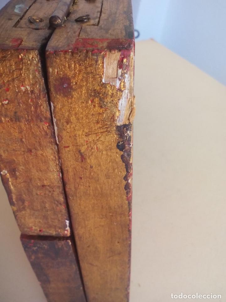 Arte: Antiguo tríptico de madera tallada, dorada y policromada. - Foto 10 - 163711130