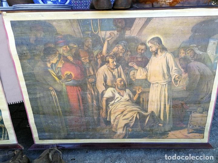 ANTIGUA LAMINA RELIGIOSA ENTELADA CON ESCENAS DE LA BIBLIA PINTOR C. SCHMAUK 91X66 CM, (Arte - Arte Religioso - Pintura Religiosa - Otros)