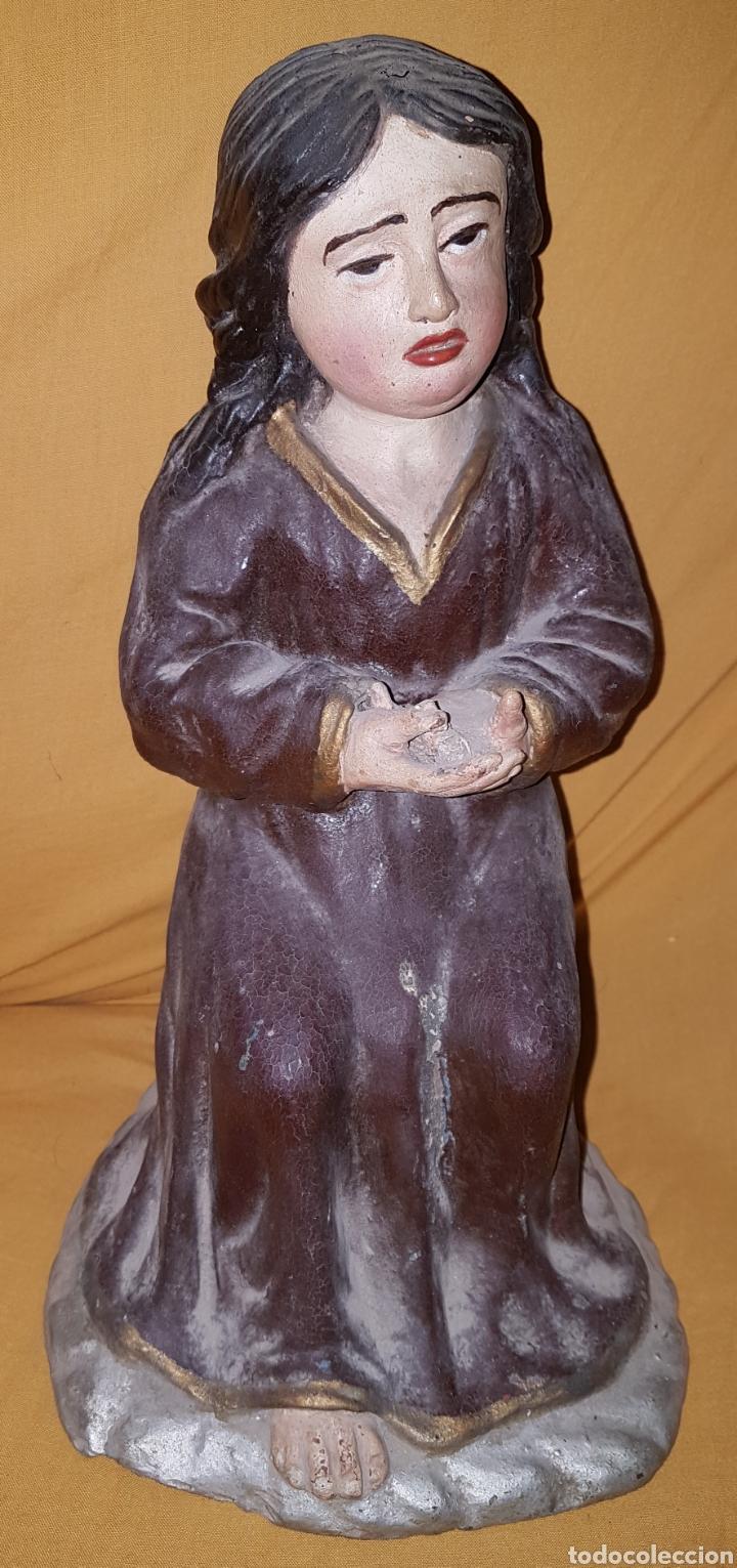 RARA ANTIGUA VIRGEN EN BARRO (Arte - Arte Religioso - Escultura)