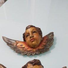 Arte: PAREJA DE CABEZAS DE ÁNGELES ALADOS. MADERA DORADA Y POLICROMADA. ESTILO BARROCO. SIGLOS XVIII-XIX.. Lote 166800862