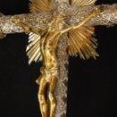 Arte: CRUCIFICADO. CRUZ DE ALTAR DE PLATA EN SU COLOR Y EN PLATA SOBREDORADA PUNZONADA. 43 CM. S. XVIII.. Lote 168127838