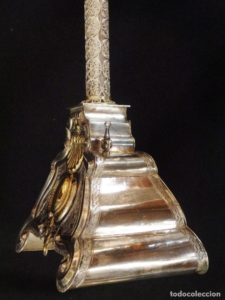 Arte: Crucificado. Cruz de altar de plata en su color y en plata sobredorada punzonada. 43 cm. S. XVIII. - Foto 27 - 168127838