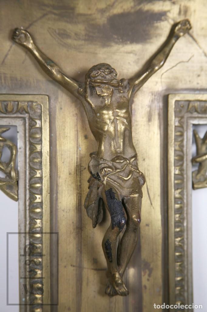 Arte: Benditera / Crucifijo de Metal / Bronce ? - Firmado S. Martin - Medidas 29 x 49 cm - #LRV - Foto 2 - 168564004