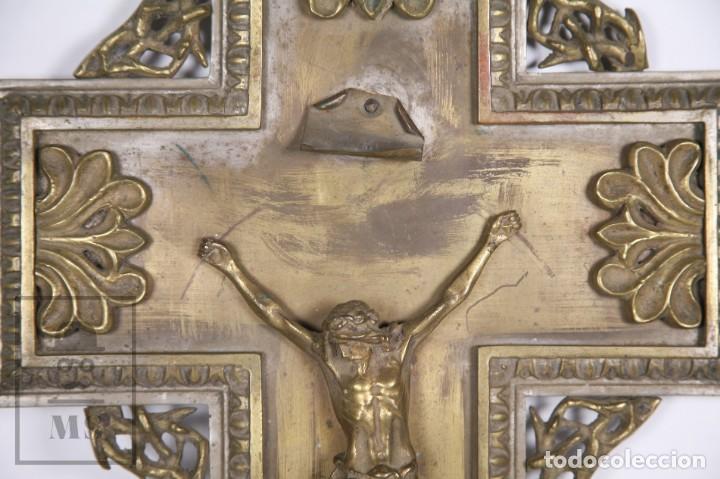 Arte: Benditera / Crucifijo de Metal / Bronce ? - Firmado S. Martin - Medidas 29 x 49 cm - #LRV - Foto 5 - 168564004