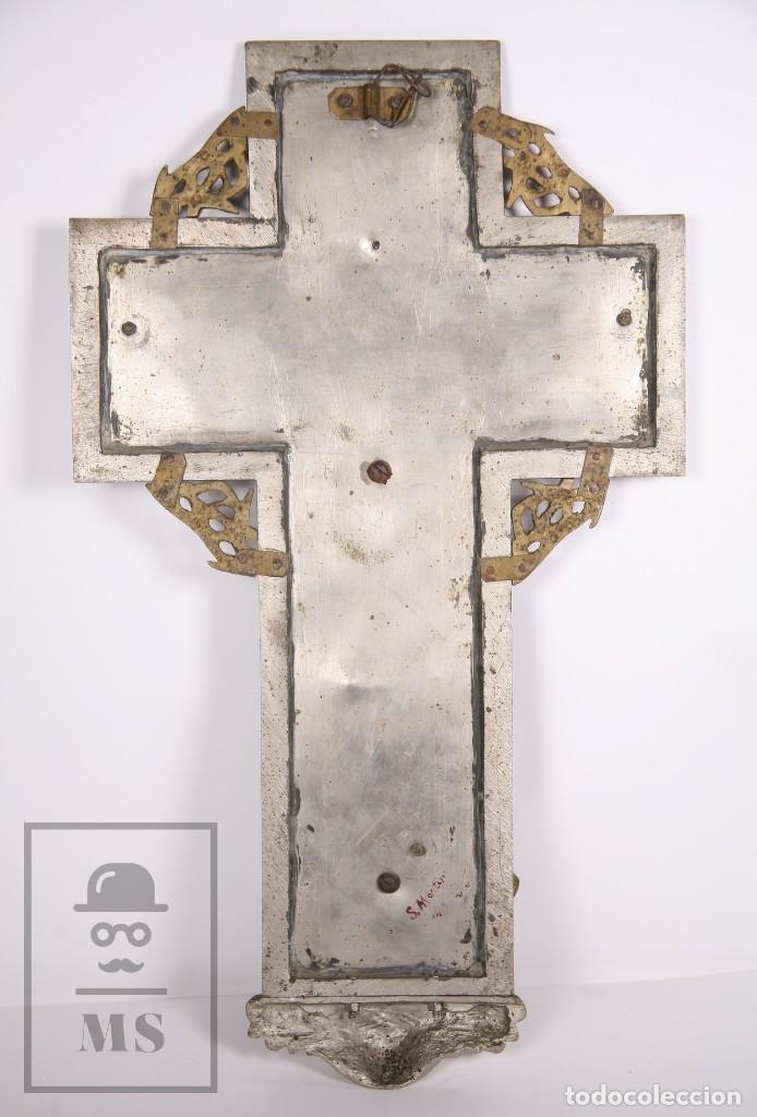 Arte: Benditera / Crucifijo de Metal / Bronce ? - Firmado S. Martin - Medidas 29 x 49 cm - #LRV - Foto 7 - 168564004