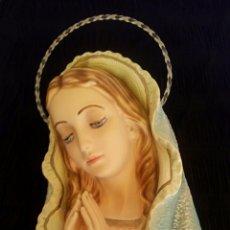 Arte: RETABLO VIRGEN MARIA. ESTUCO POLICROMADO. GRAN TAMAÑO. VINTANGE. AÑOS 1950.. Lote 168565565
