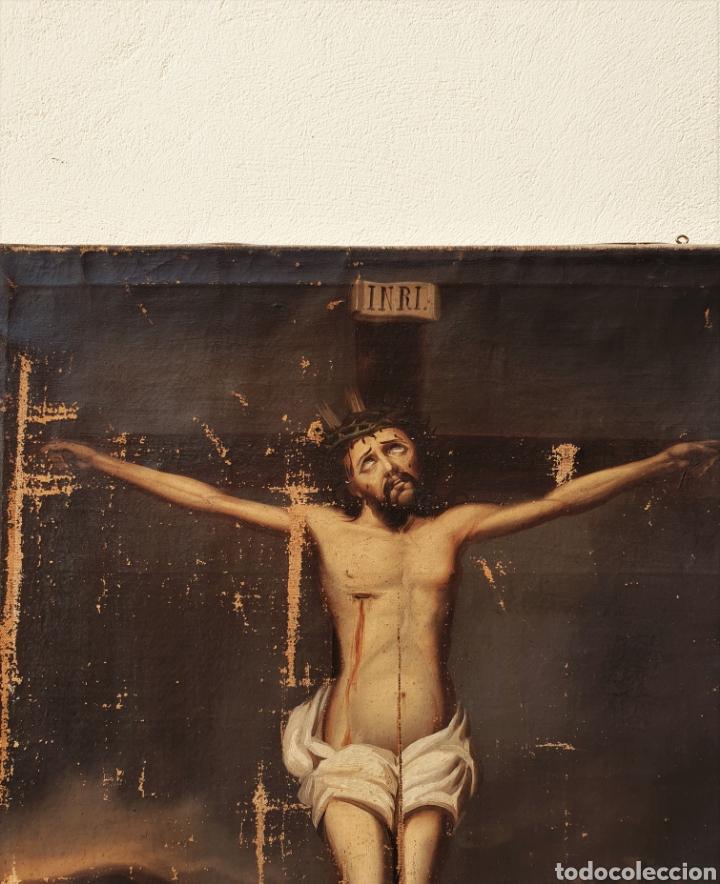 Arte: Cristo crucificado, s. XVII. Óleo sobre lienzo. - Foto 4 - 168615236