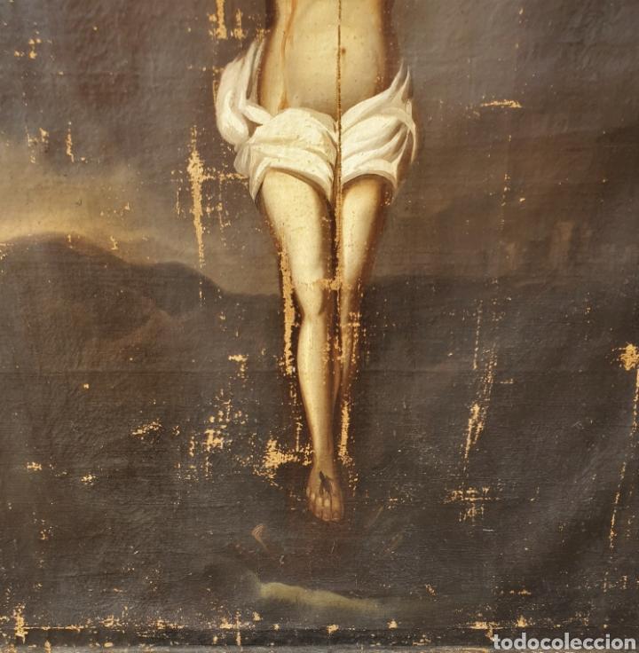 Arte: Cristo crucificado, s. XVII. Óleo sobre lienzo. - Foto 5 - 168615236