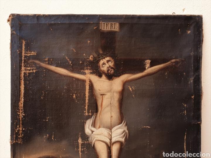 Arte: Cristo crucificado, s. XVII. Óleo sobre lienzo. - Foto 2 - 168615236