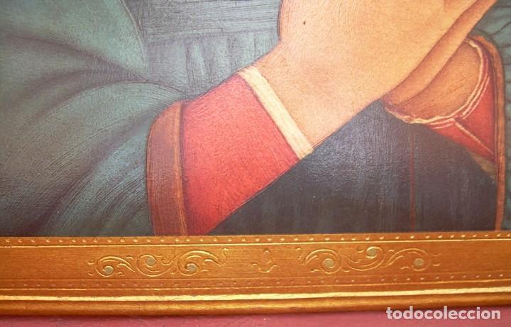 Arte: TRIPTICO RELIGIOSO CON LÁMINAS SOBRE MADERA DORADA - Foto 9 - 169112704
