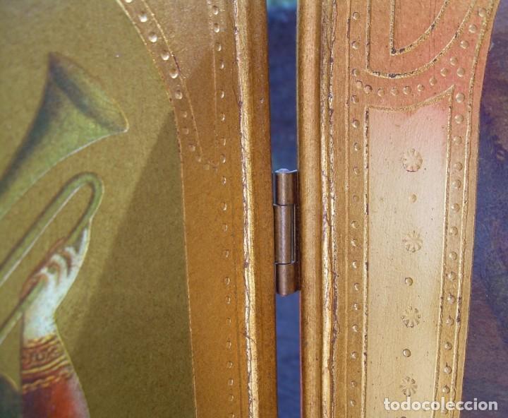 Arte: TRIPTICO RELIGIOSO CON LÁMINAS SOBRE MADERA DORADA - Foto 16 - 169112704