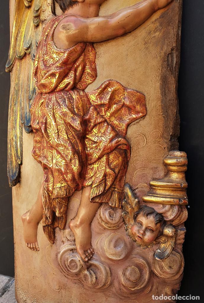 Arte: Ángeles custodios. Pareja de relieves en madera tallada, policromada, dorada y estofada. Siglo XVIII - Foto 4 - 169425424