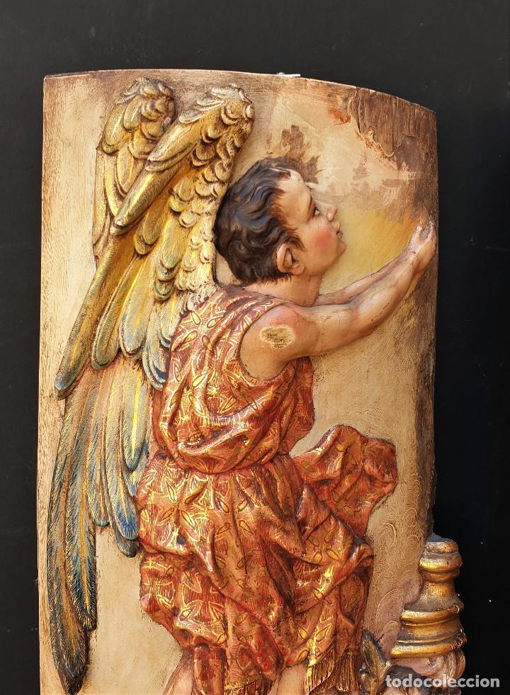 Arte: Ángeles custodios. Pareja de relieves en madera tallada, policromada, dorada y estofada. Siglo XVIII - Foto 6 - 169425424
