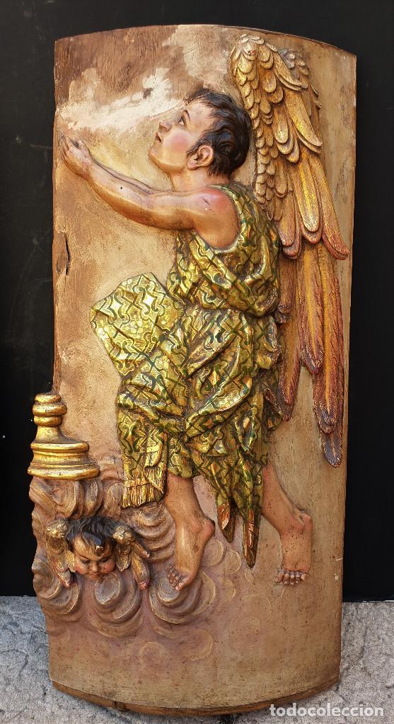Arte: Ángeles custodios. Pareja de relieves en madera tallada, policromada, dorada y estofada. Siglo XVIII - Foto 7 - 169425424